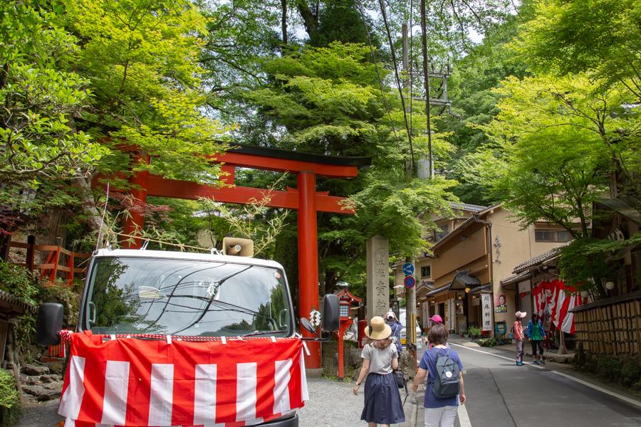 夏の貴船神社